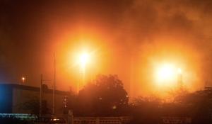 Raffinaderij-Isla-uitstoot-Foto-AvaLon-Ad-van-Loon